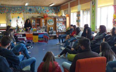 Amadurece apresentação na escola_kati bento